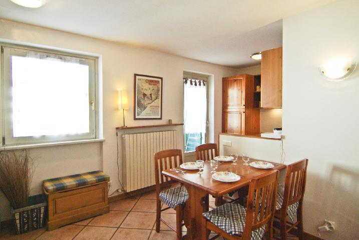 Location au ski Appartement 2 pièces 4 personnes (rose) - Residence Androsace - Chamonix - Table