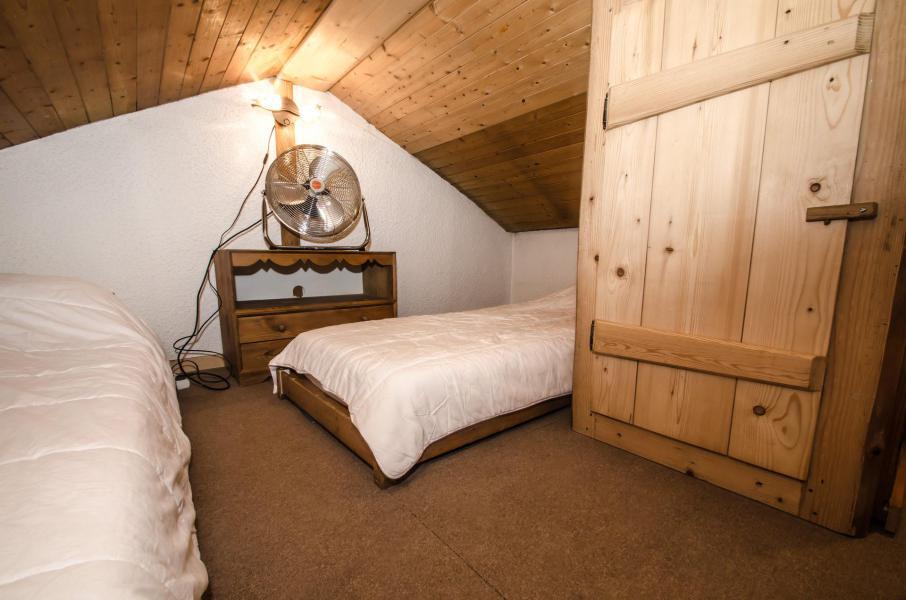 Location au ski Studio mezzanine 4 personnes (La Poya) - Résidence Bâtiment B - Chamonix - Chambre