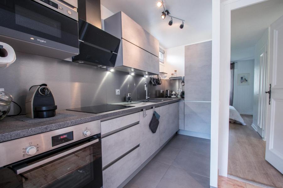 Rent in ski resort 3 room apartment 4 people (AGATA) - Résidence le Clos du Savoy - Chamonix - Kitchenette