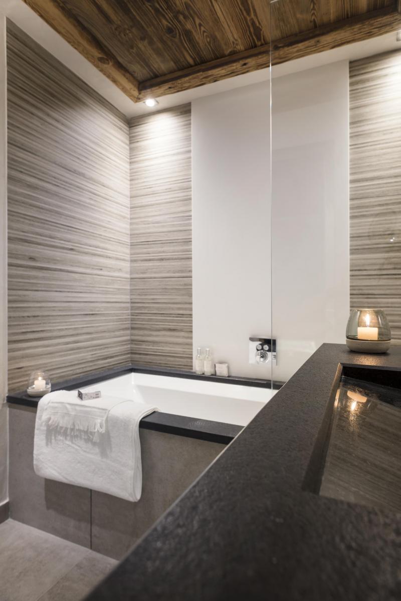 Rent in ski resort Résidence le Cristal de Jade - Chamonix - Bath-tub