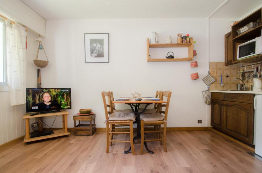 Location au ski Studio 4-4 personnes - Residence Le Savoy - Chamonix - Table