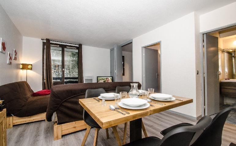 Location au ski Appartement 2 pièces cabine 2-4 personnes - Residence Le Triolet - Chamonix - Table