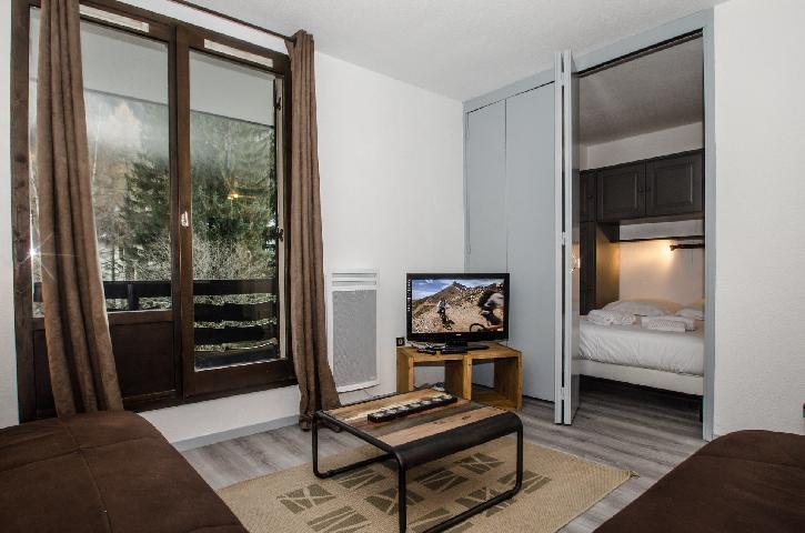 Location au ski Appartement 2 pièces cabine 2-4 personnes - Residence Le Triolet - Chamonix - Tv