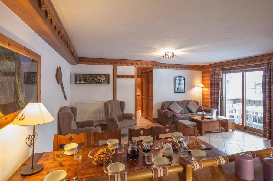 Rent in ski resort Résidence P&V Premium la Ginabelle - Chamonix - Living room