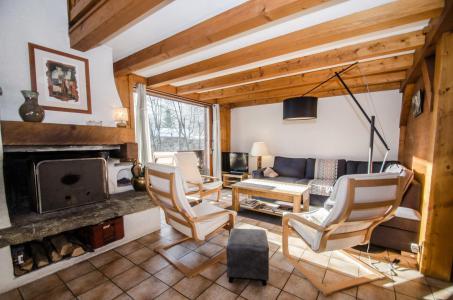 Rent in ski resort 8 room triplex chalet 12 people - Chalet le Tilleul - Chamonix - Living room