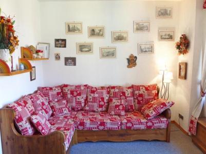 Rent in ski resort 2 room apartment 4 people (7) - Le Carlton - Chamonix - Living room