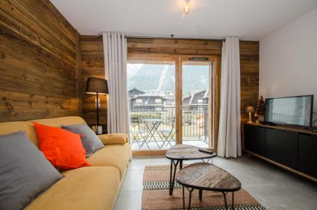 Rent in ski resort 2 room apartment 4 people (JOY) - Résidence Androsace du Lyret - Chamonix - Living room