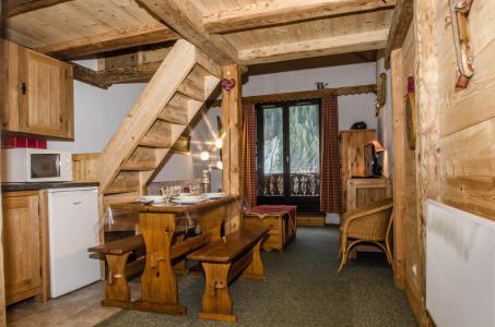 Rent in ski resort Studio mezzanine 4 people (La Poya) - Résidence Bâtiment B - Chamonix - Apartment