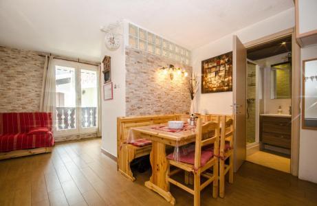 Rent in ski resort 2 room apartment 4 people (Tetras) - Résidence Iris - Chamonix
