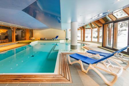 Location au ski Residence Lagrange Le Cristal D'argentiere - Chamonix - Piscine