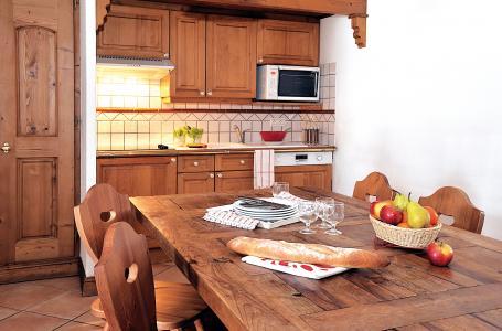 Location au ski Residence Lagrange Le Cristal D'argentiere - Chamonix - Table