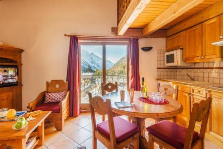 Location au ski Résidence Lagrange le Cristal d'Argentière - Chamonix - Table