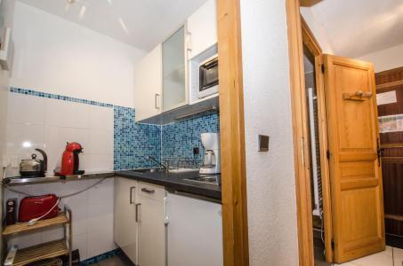 Location au ski Studio 4 personnes (Quartz) - Residence Le Clos Du Savoy - Chamonix - Porte-fenêtre donnant sur balcon