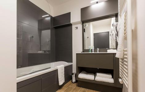 Rent in ski resort Résidence Prestige Isatis - Chamonix - Bathroom
