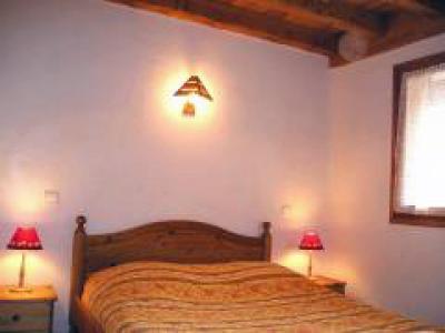 Location au ski Chalet duplex 7 pièces 12 personnes - Chalet De La Cote - Champagny-en-Vanoise - Lit armoire 2 personnes