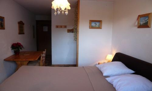 Location au ski Studio 2 personnes - Residence Les Edelweiss - Champagny-en-Vanoise - Couchage