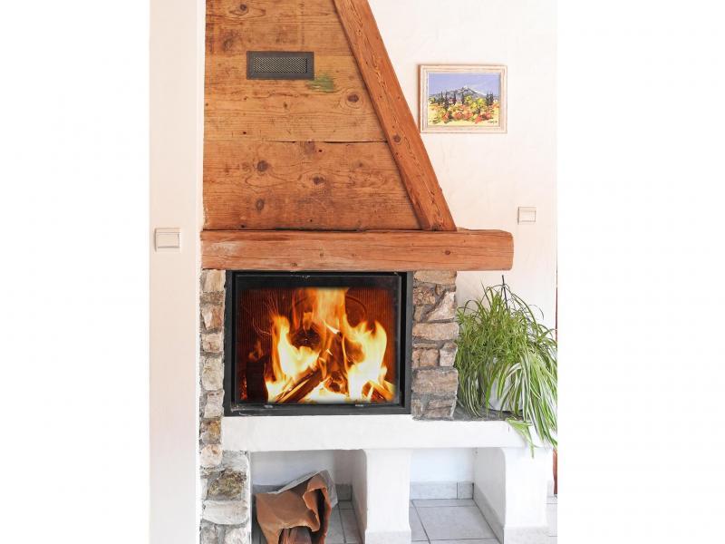 Location au ski Chalet Carella - Champagny-en-Vanoise - Cheminée