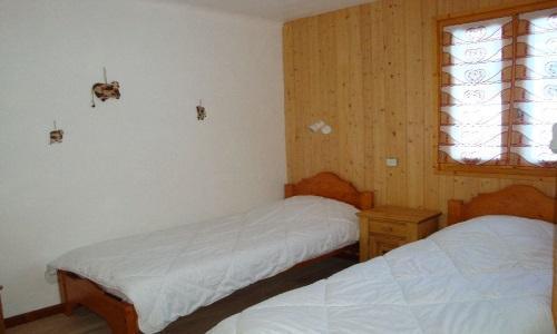 Location au ski Appartement 4 pièces 8 personnes - Chalet Cristal - Champagny-en-Vanoise - Lit simple