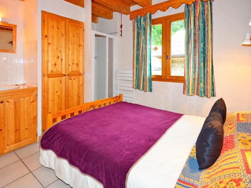 Rent in ski resort Chalet Grand Arbet - Champagny-en-Vanoise - Bedroom