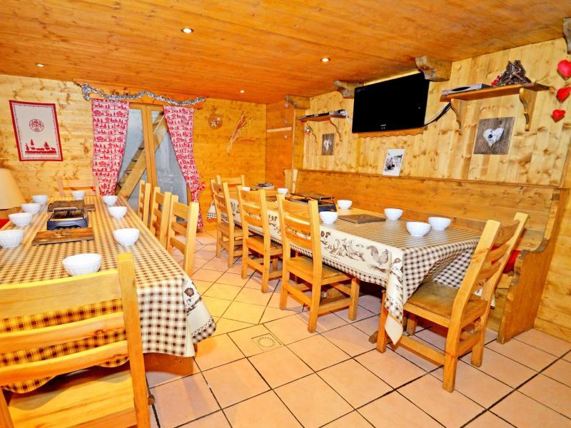 Rent in ski resort Chalet Grand Arbet - Champagny-en-Vanoise - Dining area