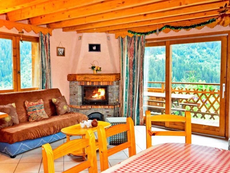 Rent in ski resort Chalet Grand Arbet - Champagny-en-Vanoise - Fireplace