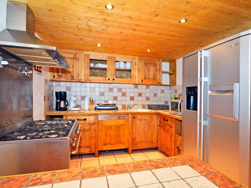 Rent in ski resort Chalet Grand Arbet - Champagny-en-Vanoise - Kitchen