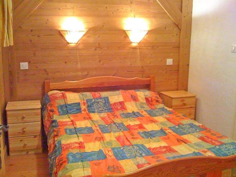 Rent in ski resort Chalet Joly - Champagny-en-Vanoise - Bedroom