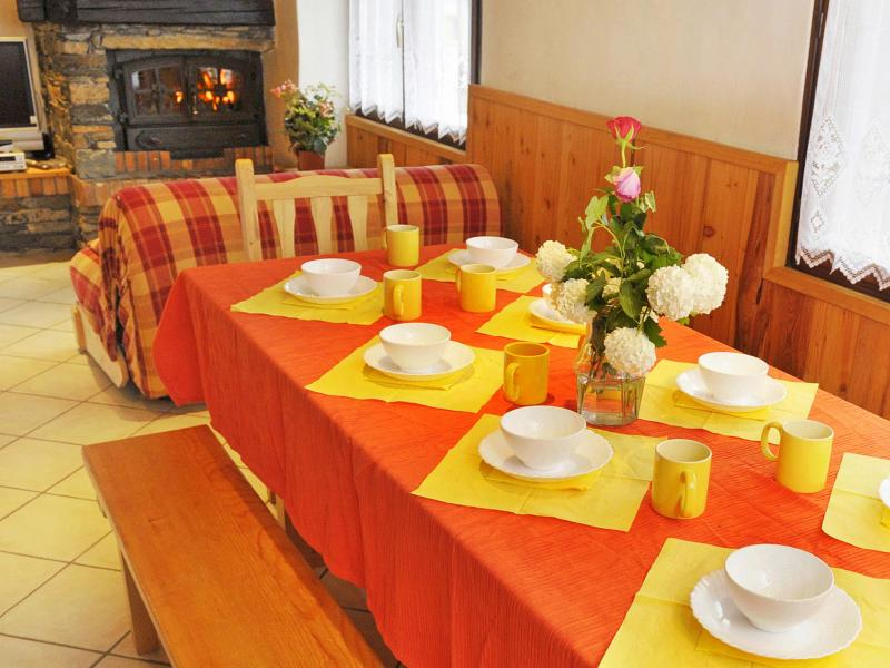 Rent in ski resort Chalet Joly - Champagny-en-Vanoise - Dining area