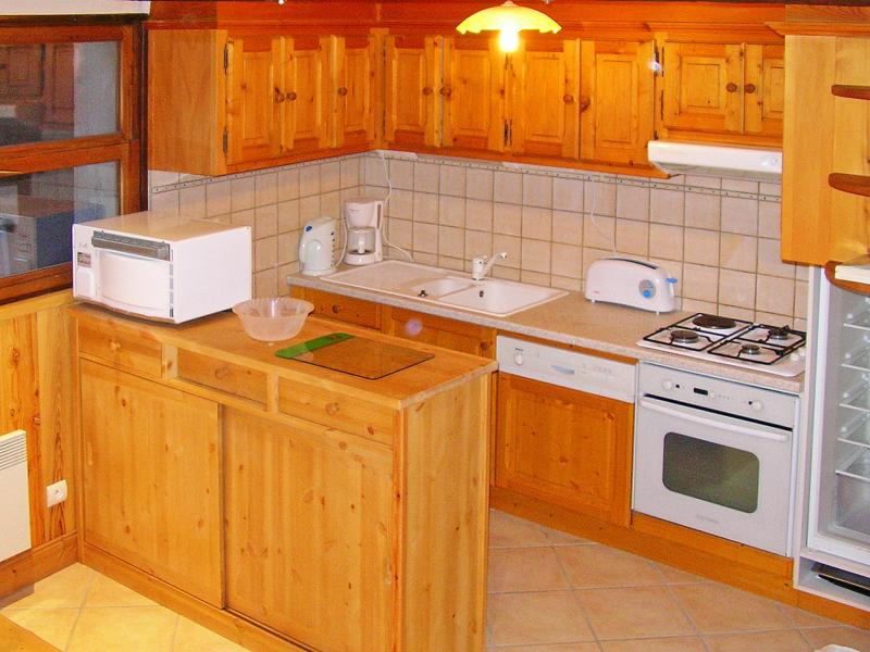 Rent in ski resort Chalet Joly - Champagny-en-Vanoise - Kitchen