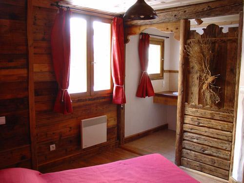 Location au ski Appartement 8 personnes - Chalet l'Edelweiss - Champagny-en-Vanoise - Fenêtre