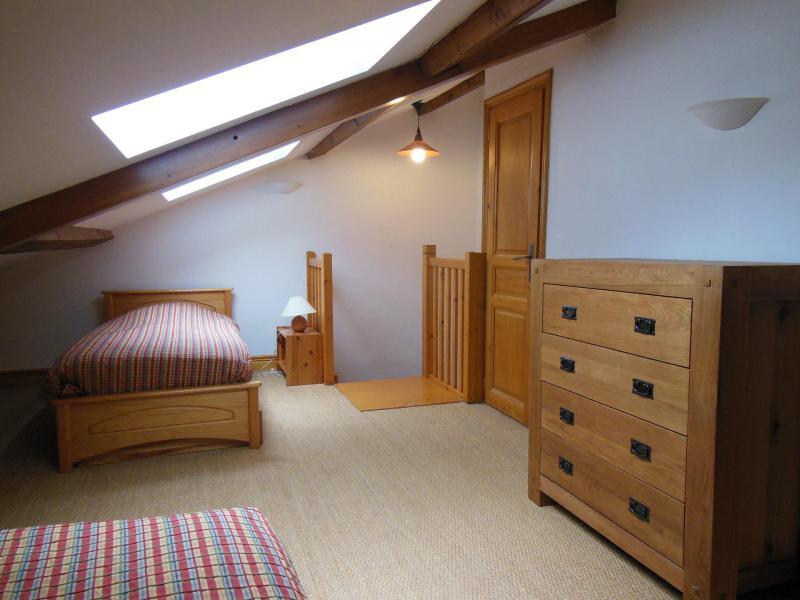 Location au ski Chalet la Petite Maria - Champagny-en-Vanoise - Chambre mansardée