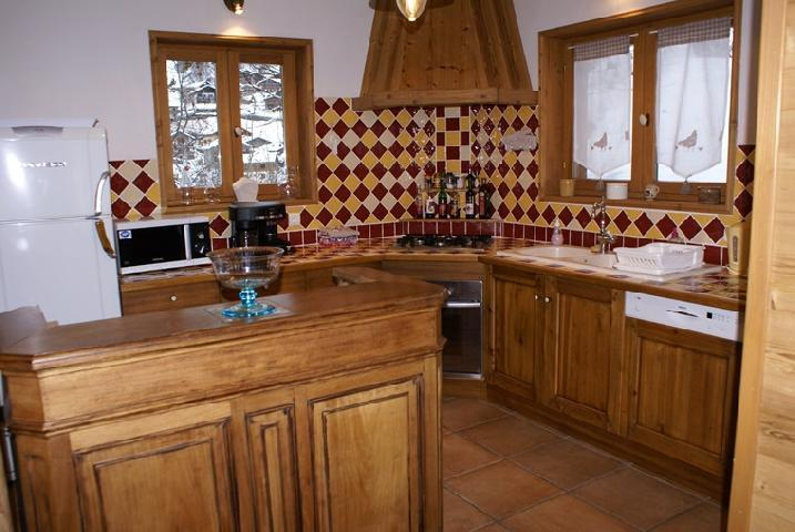 Rent in ski resort 5 room duplex chalet 8-10 people - Chalet la Sauvire - Champagny-en-Vanoise - Open-plan kitchen