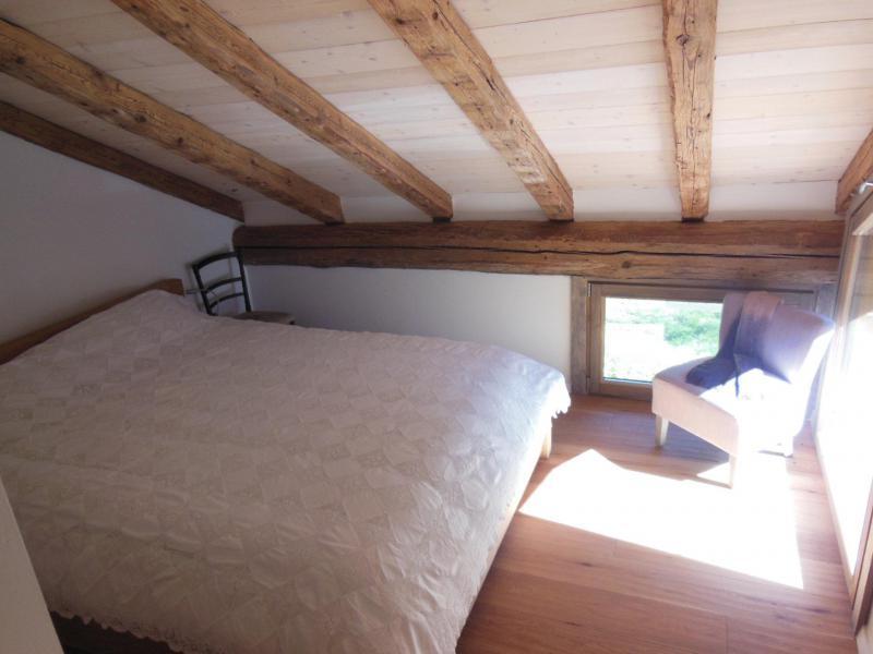 Location au ski Chalet 5 pièces 10 personnes (CH) - Chalet le Sapé - Champagny-en-Vanoise - Chambre mansardée