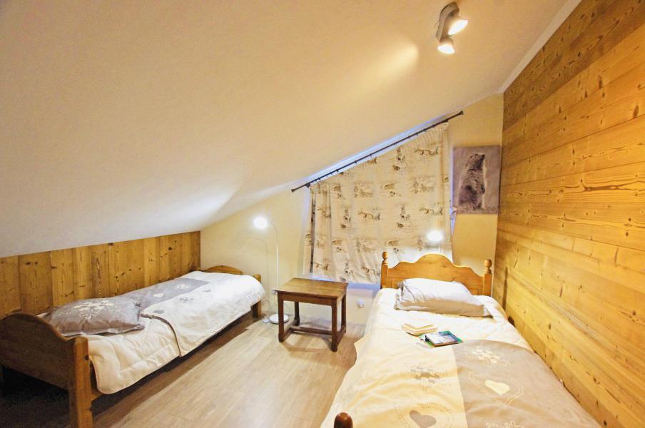 Location au ski Chalet 6 pièces 10 personnes - Chalet le Sérac - Champagny-en-Vanoise - Banquette-lit tiroir