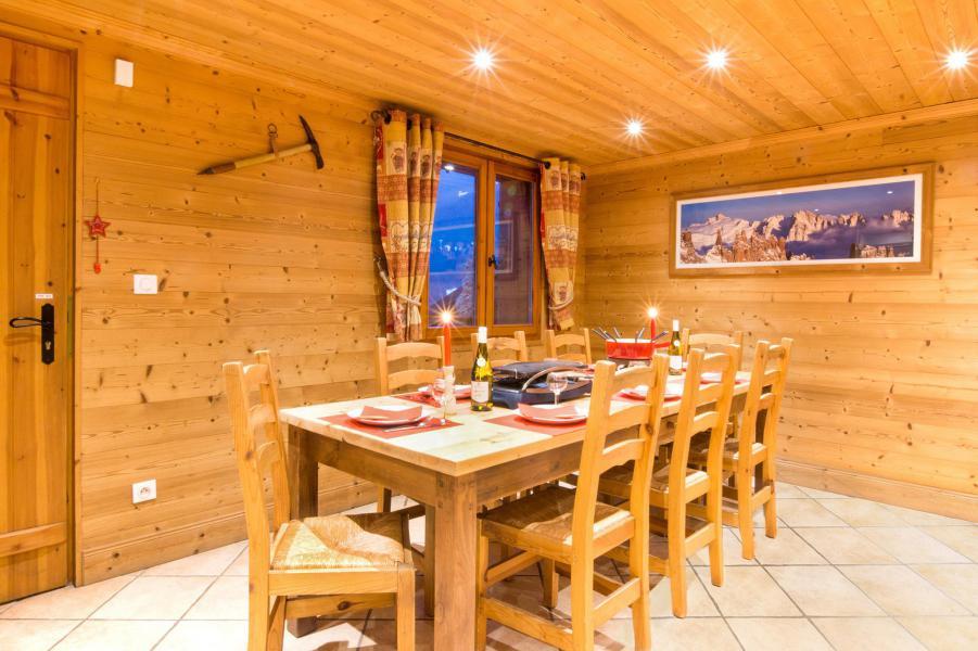Location au ski Chalet Rosa Villosa - Champagny-en-Vanoise - Table