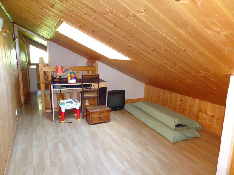 Location au ski Appartement triplex 6 pièces 12 personnes - Chalet Soldanelles - Champagny-en-Vanoise - Mezzanine mansardée (-1,80 m)