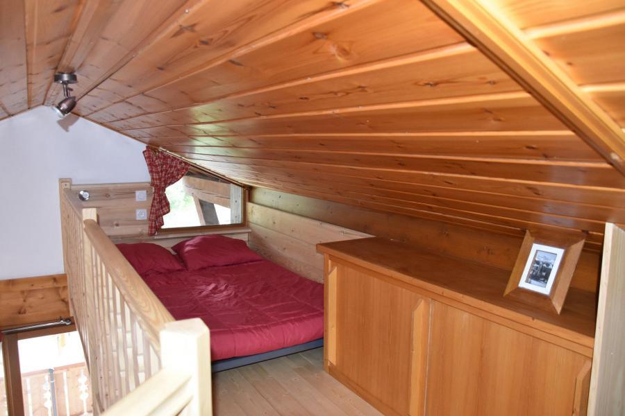 Location au ski Appartement 2 pièces 4 personnes (GENTIANE) - Résidence Flor'Alpes - Champagny-en-Vanoise - Mezzanine mansardée (-1,80 m)