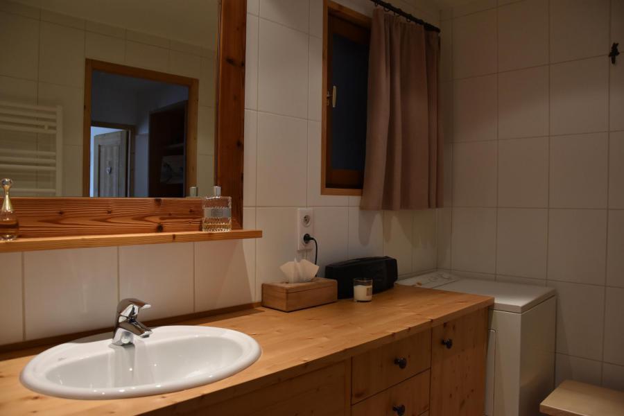 Location au ski Appartement 3 pièces 6 personnes (BRUYERE) - Résidence Flor'Alpes - Champagny-en-Vanoise - Lavabo