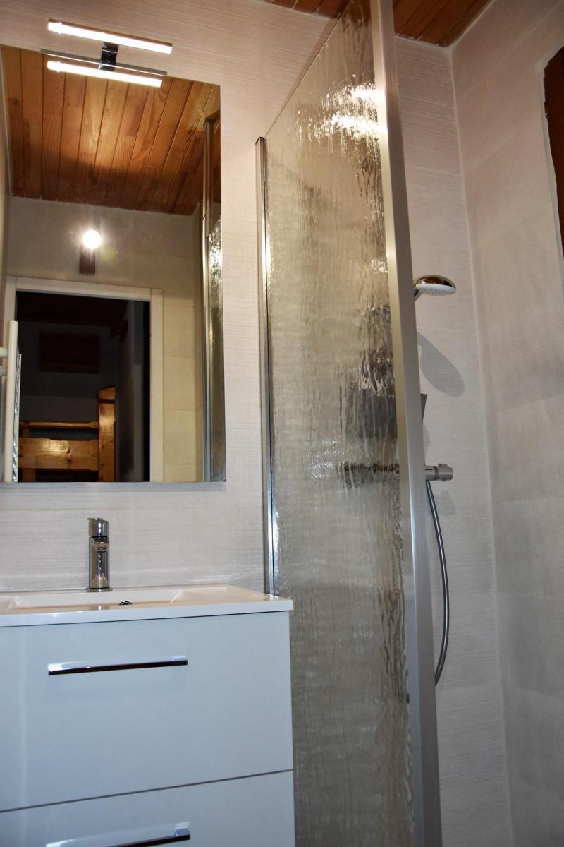 Location au ski Studio coin montagne 4 personnes (CAMPANUL) - Résidence Flor'Alpes - Champagny-en-Vanoise - Douche