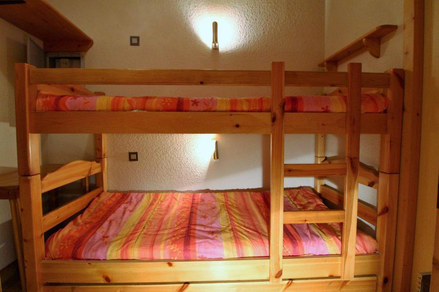 Location au ski Appartement 2 pièces coin montagne 5 personnes (005) - Résidence le Centre - Champagny-en-Vanoise - Lits superposés