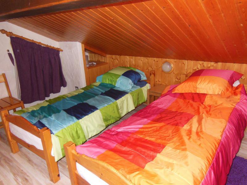 Ski verhuur Chalet 4 kamers 8 personen (A012P) - Résidence le Hameau des Rochers - Champagny-en-Vanoise - 1 persoons bed