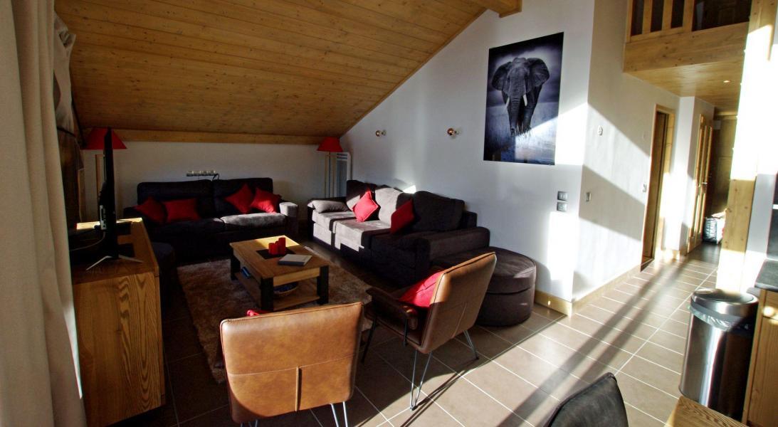 Locazione appartamento su due piani 5 stanze per 10 for Appartamento a due piani