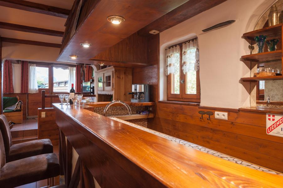 Rent in ski resort 3 room mezzanine semi-detached chalet 6-8 people - Résidence les Edelweiss - Champagny-en-Vanoise - Bar