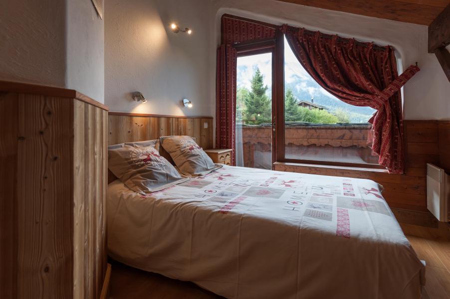 Rent in ski resort 3 room mezzanine semi-detached chalet 6-8 people - Résidence les Edelweiss - Champagny-en-Vanoise - Bedroom