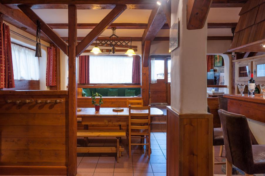 Rent in ski resort 3 room mezzanine semi-detached chalet 6-8 people - Résidence les Edelweiss - Champagny-en-Vanoise - Dining area
