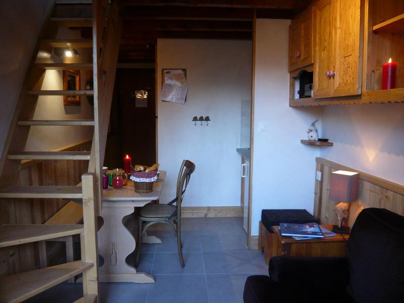 Location au ski Studio 3 personnes (standard) - Résidence les Edelweiss - Champagny-en-Vanoise - Table