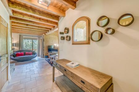 Rent in ski resort 7 room triplex chalet 10-12 people - Chalet Alideale - Champagny-en-Vanoise - Hall