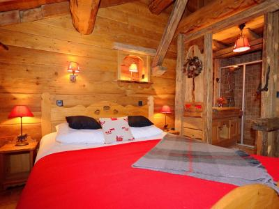 Rent in ski resort Chalet Champagny CPV01 - Champagny-en-Vanoise - Bedroom