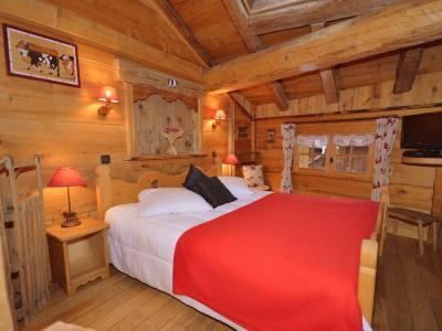 Rent in ski resort Chalet Champagny CPV01 - Champagny-en-Vanoise - Double bed