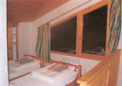 Location au ski Chalet quadriplex 15 pièces 20 personnes - Chalet Grand Arbet - Champagny-en-Vanoise - Chambre mansardée